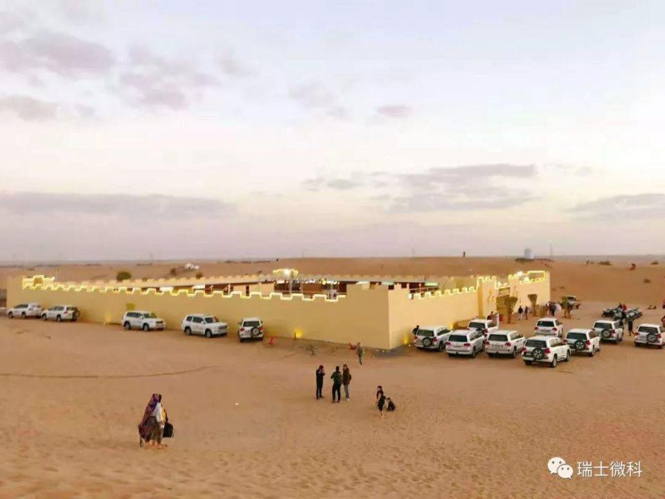 激情沙漠冲沙的魅力在于让你,在广阔的沙丘之间释放真实的自我。